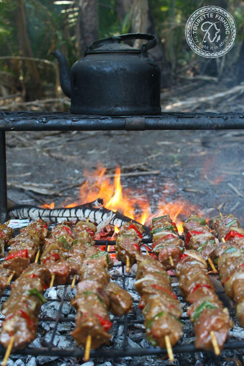 okavango-barbel-run-tigerfish-season-2016-week-3-tourette-fishing-blog-open-flame-cooking